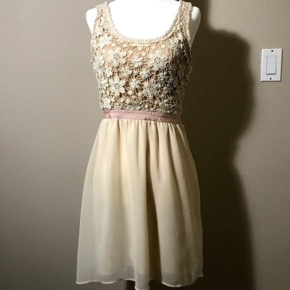 American Eagle Outfitters Dresses & Skirts - American Eagle White Crochet Dress